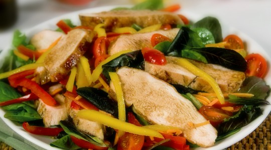Wine & Food: Recipe for Mango Salad with Grilled Chicken + Wine Pairing | Just Wine