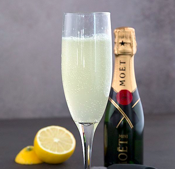 The French 75 Champagne Cocktail. Image Source: fooddreamer