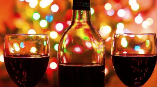 The Perfect Holiday Wine Gift For Everyone On Your Christmas List | Just Wine