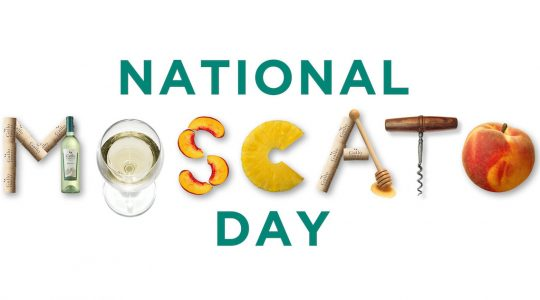 Celebrate Moscato Day: Wine & Dessert Pairings | Just Wine