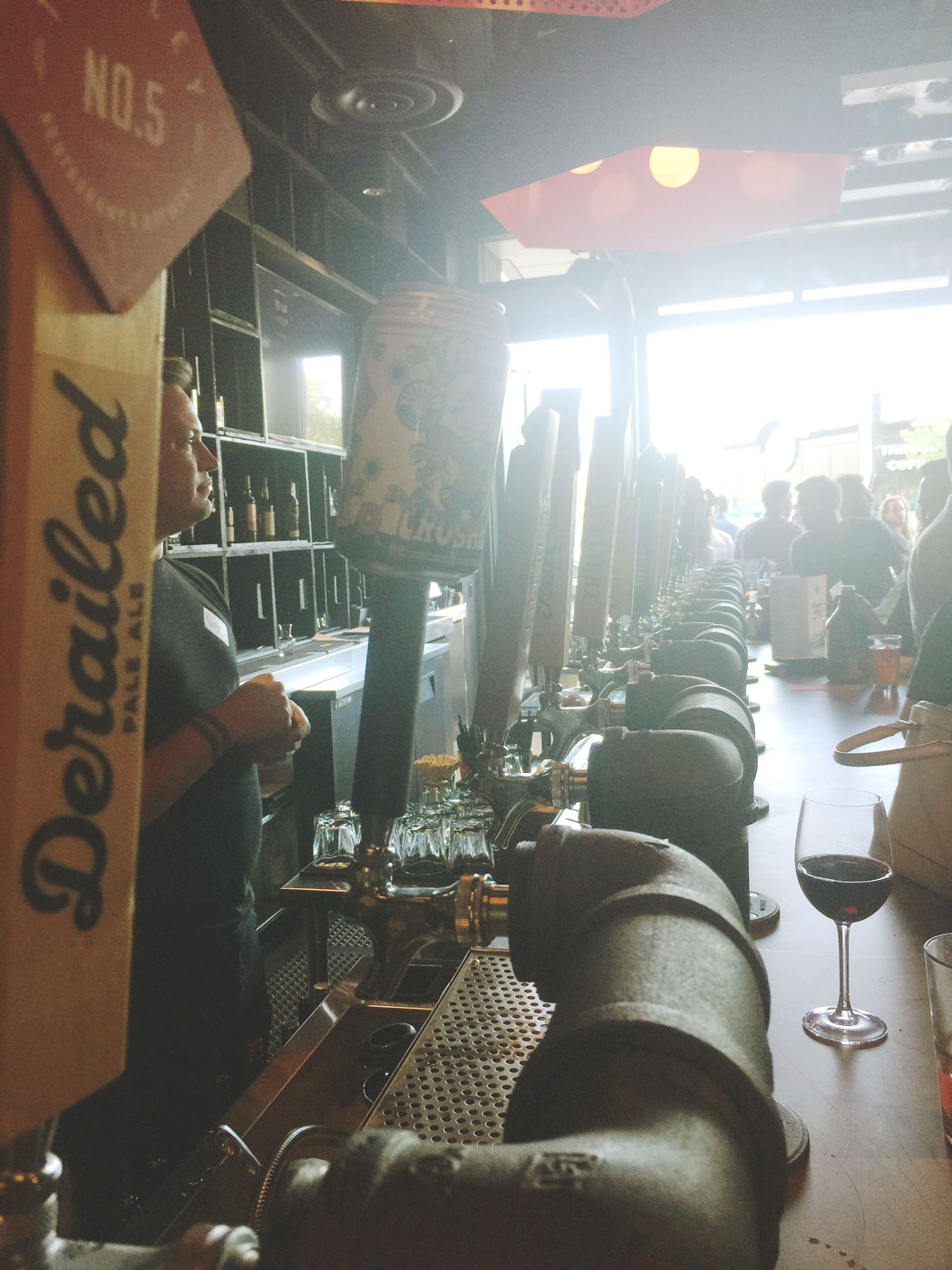 trolley-no-5-five-beer-brewery-on-tap