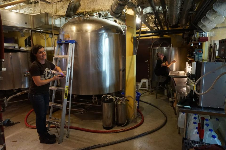 banff-ave-female-brewers-hard-at-work