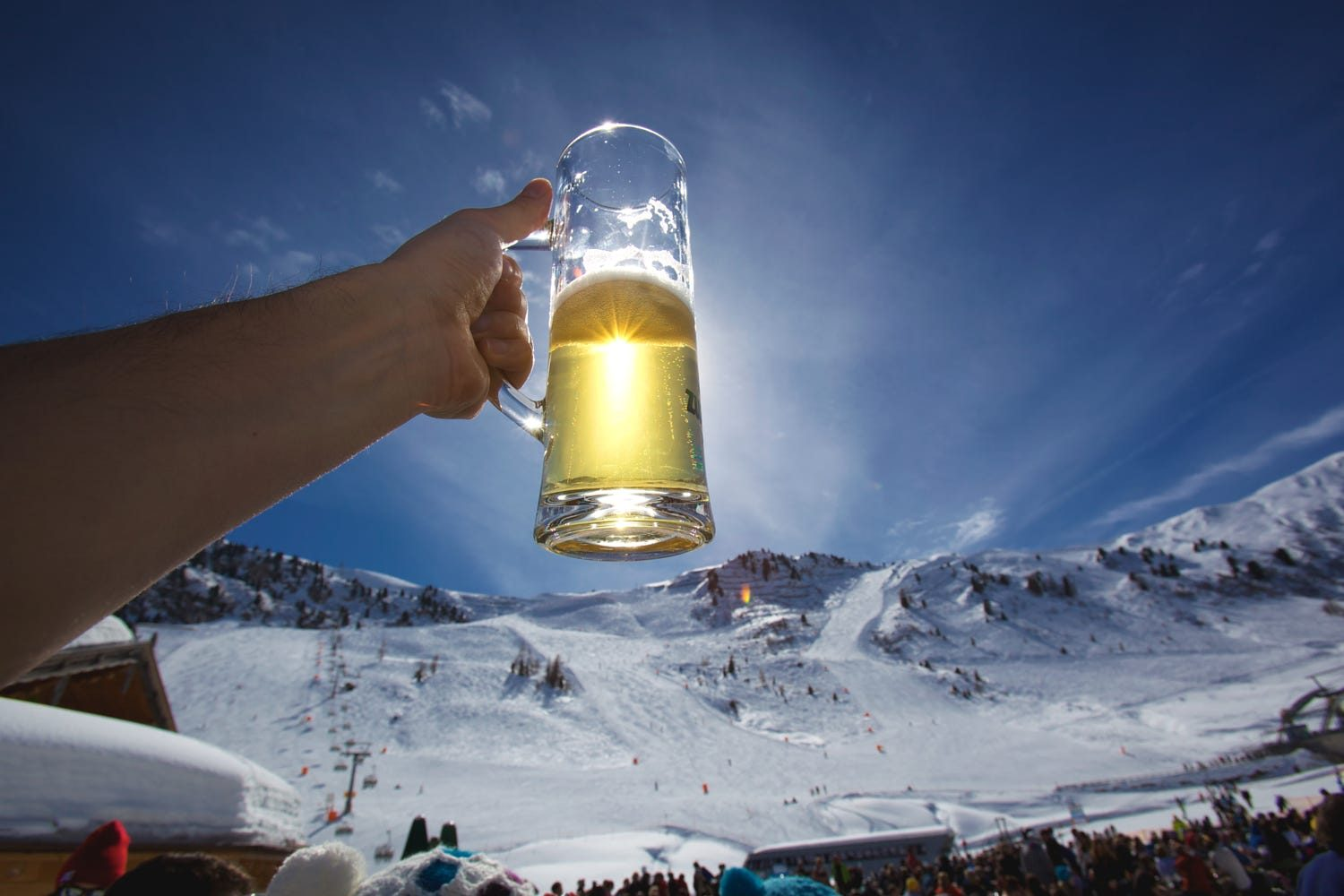 7 Best Places To Ski and Apres Ski in Western Canada