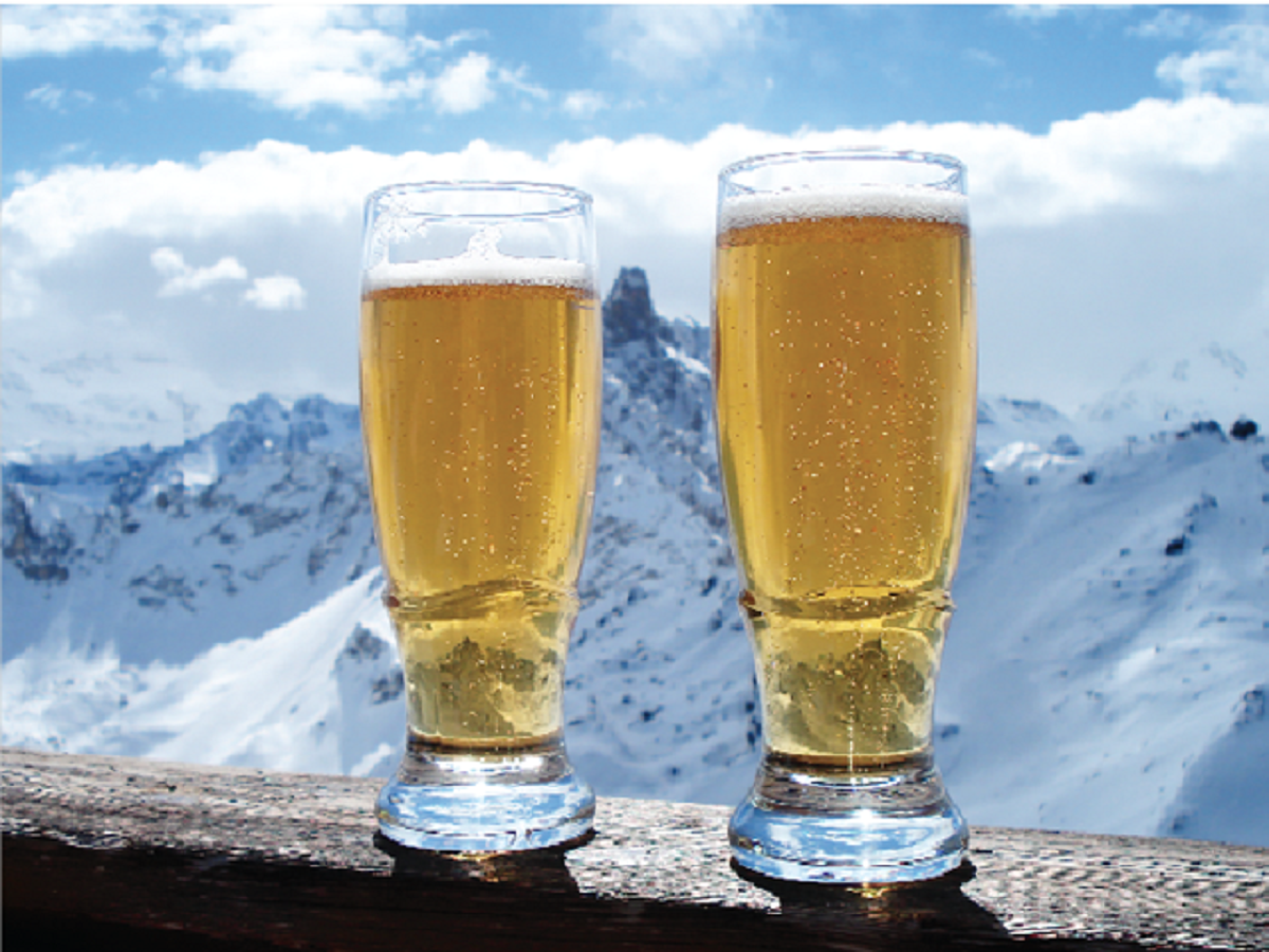 5 Best Places to Ski & Apres-Ski in Eastern Canada