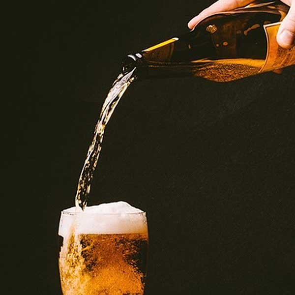 pouring-beer-bottle-free-image-royalty-free-creative-commons-cc