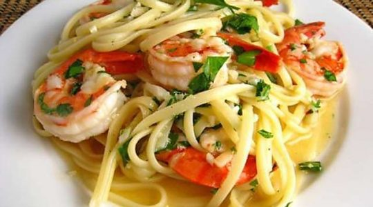 Easy Recipe for Shrimp Linguine with White Wine Plus a Delicious Wine Pairing | Just Wine