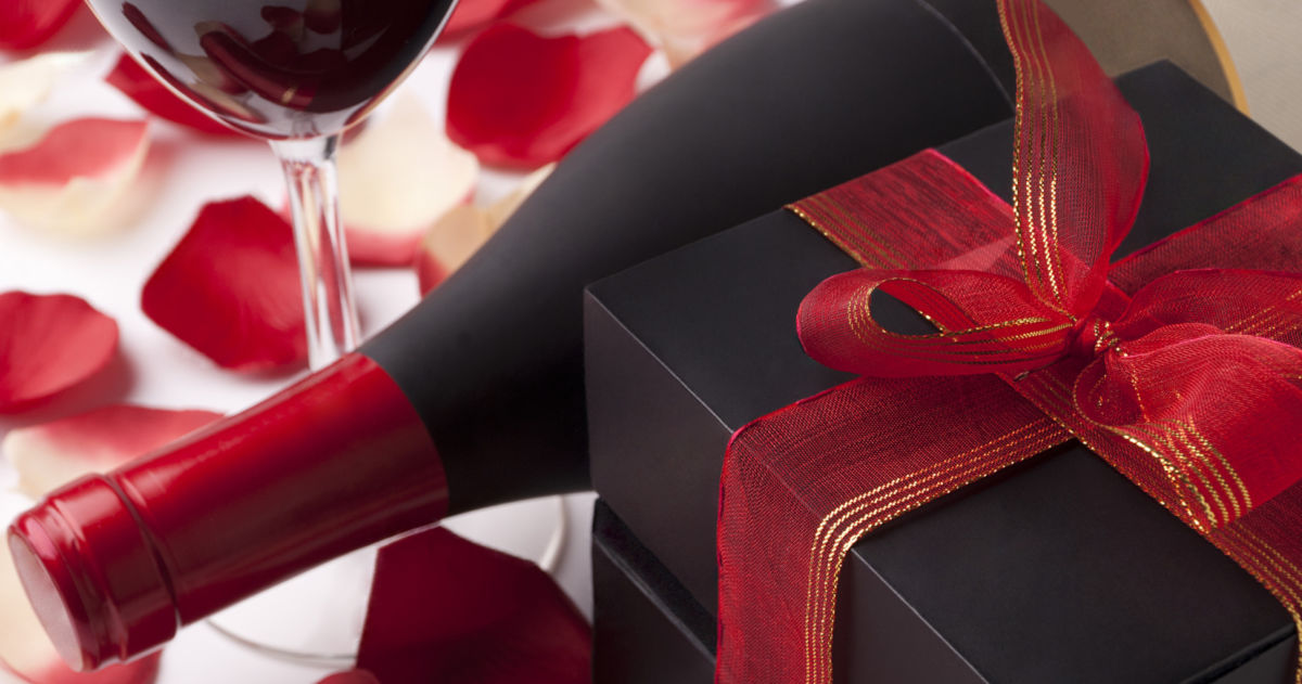 15 Wine Gifts Your Mom Really Wants for Christmas This Year |