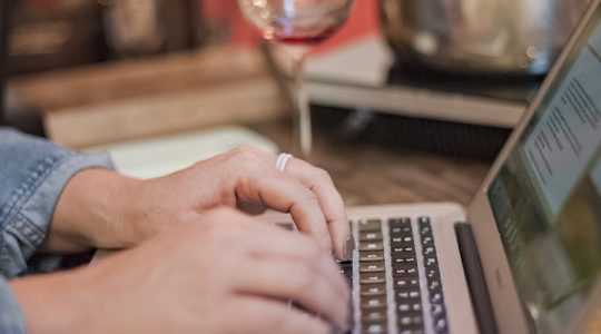 A Call for Wine Bloggers & Wine Writers. How to Get Started Writing for JustWine | Just Wine