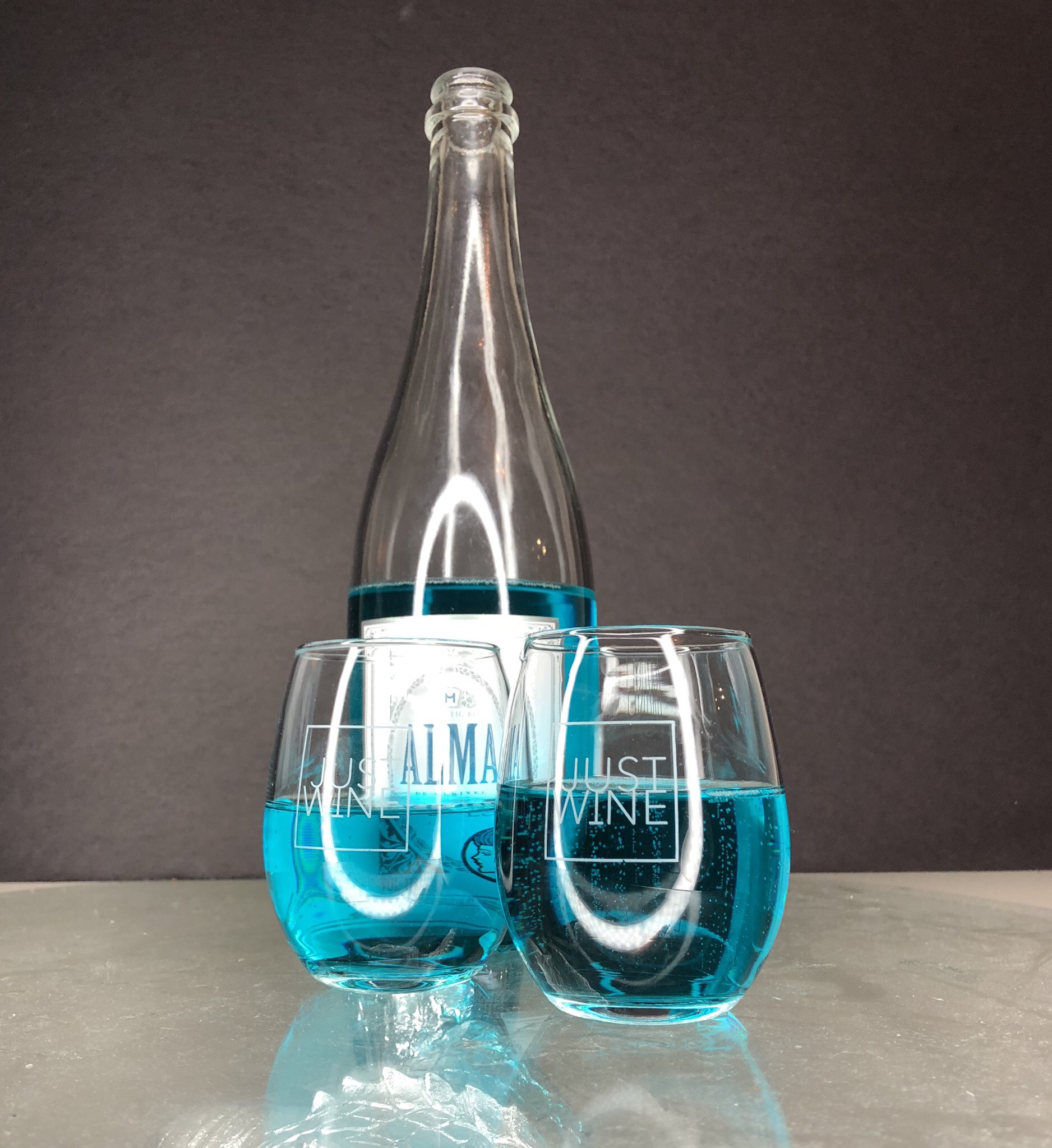 Blue Wine by Alma Azul. Image Source: Dustin Miller, Mobility Quotient  | Just Wine