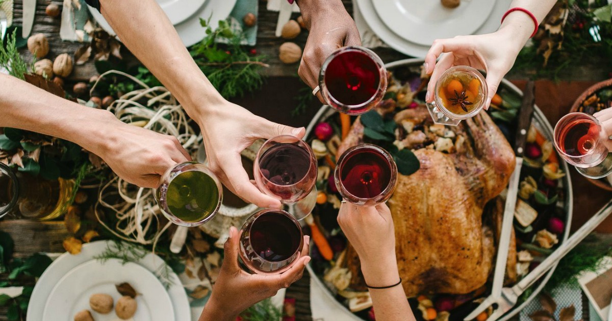 The Best Food & Wine Pairings for Traditional Thanksgiving Dinner |