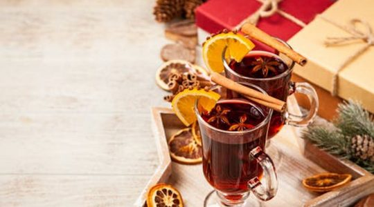 Save Time With These 6 Pre-Made Mulled Wines and Ciders You Can Buy Right Now | Just Wine