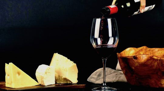 An Easy Guide To Pairing Wine and Cheese | Just Wine