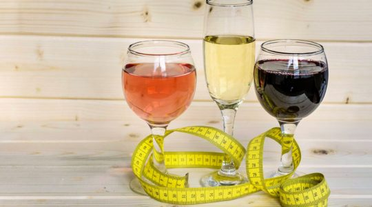 Can You Drink Wine on a Diet? The Best Alcohol to Drink on a Diet | Just Wine