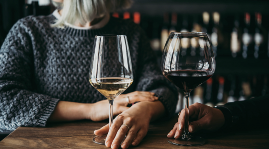Red Wine vs. White Wine — What's The Difference? | Just Wine