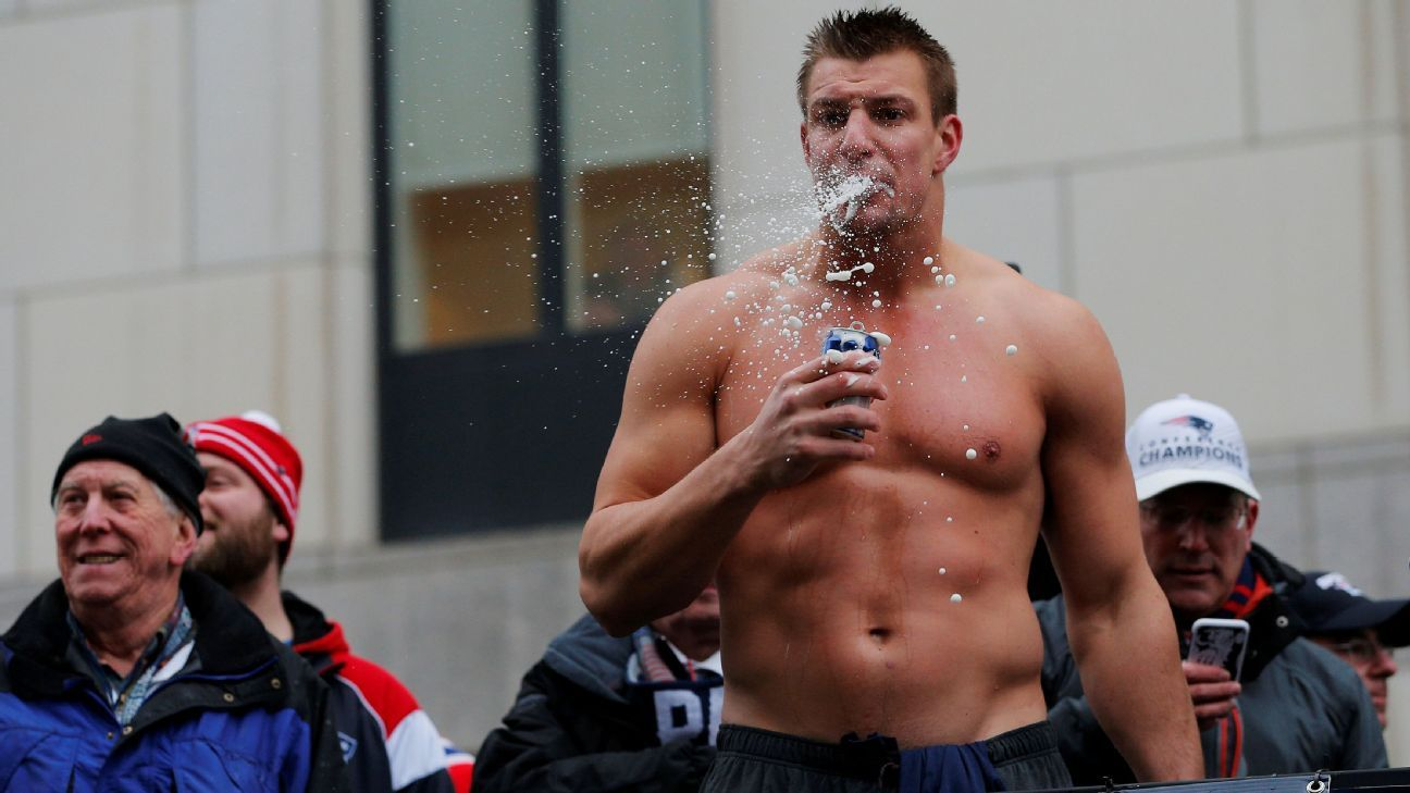 gronk-beer-athlete