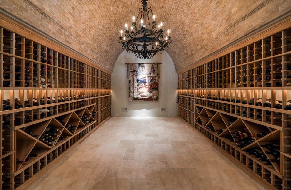 wine-cellar-luxury-home-custom