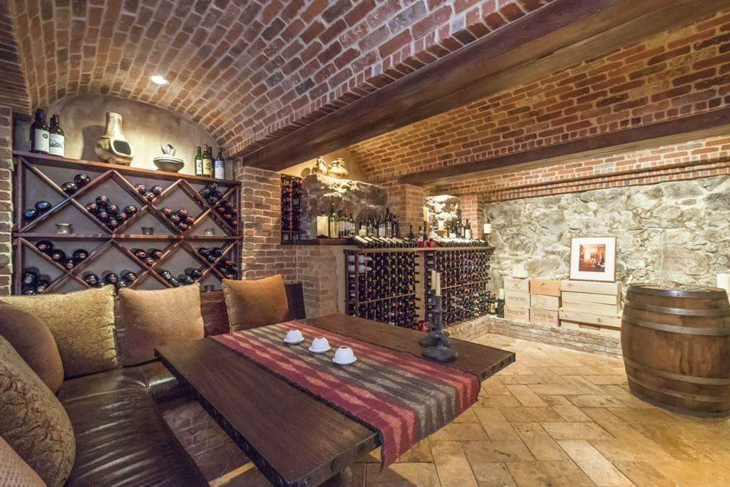 luxury-home-wine-cellar
