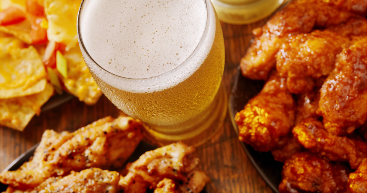 The Best Vancouver Wing Nights for Every Day of the Week