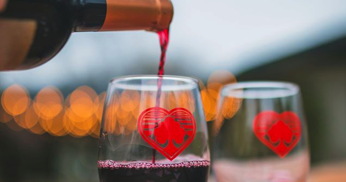 7 Funny & Romantic Valentine's Day Wine Glasses That'll Make the Perfect Gift |